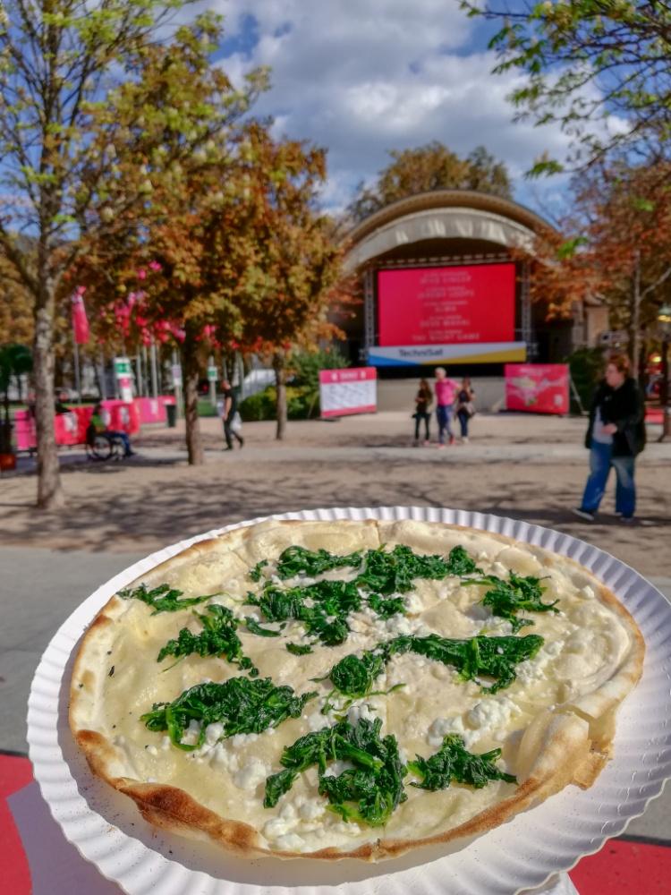 SWR3 New Pop 2018 JoyDellaVita Sightseeing Baden-Baden Flammkuchen