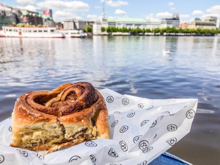Franzbrötchen with apple by Mutterland Hamburg