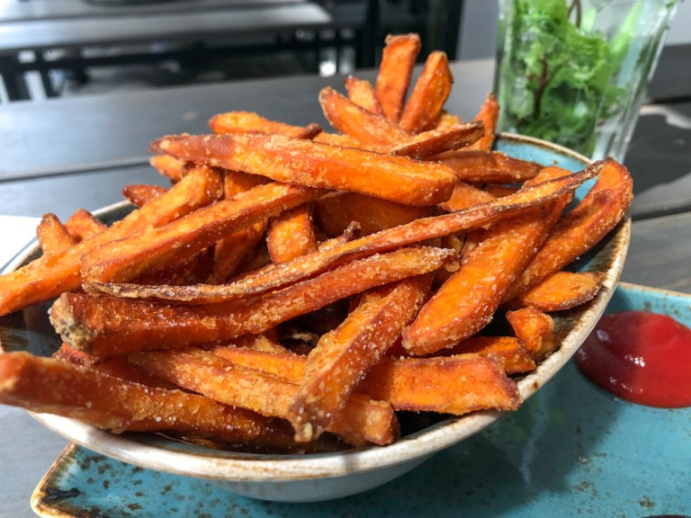Sweet potato fries in Hamburg near the train station