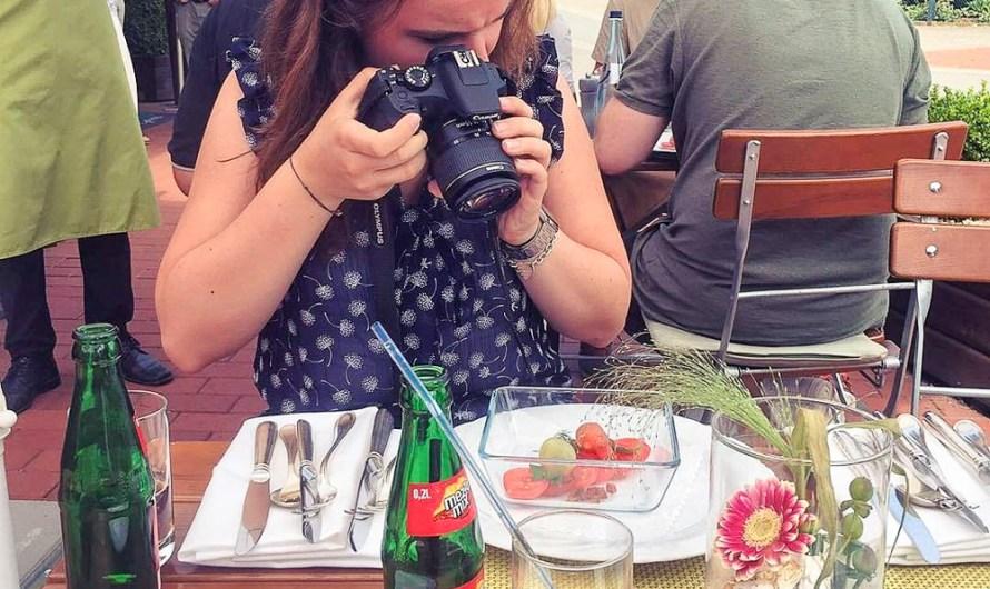 Travel vlogging tips for beginners
