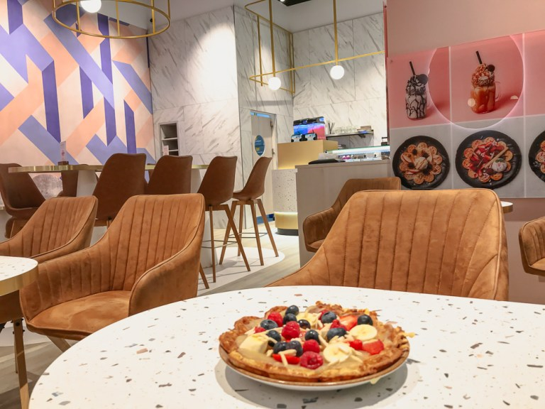 Healthy Hot Waffles at Cafe Mamalicious in Brehna – TheStyleOutlets Halle/Leipzig