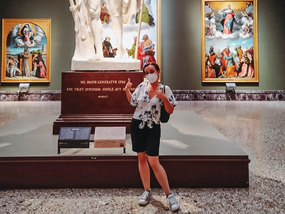 girl posing in art museum Brera Milan