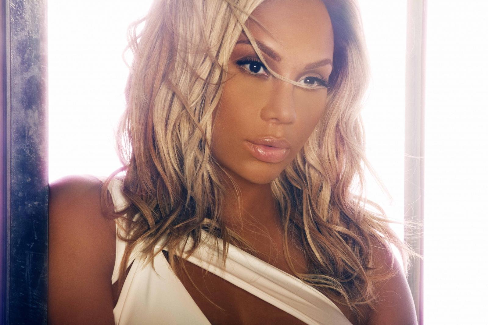 Tamar Braxton, Rickey Smiley, Nephew Tommy, Lyfe Jennings + Joy Dennis Live – Nov 8 – Veteran's Memorial Arena