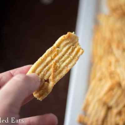 Low Carb Cheddar Garlic Cheese Crisps & Crackers