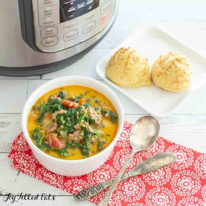keto instant pot soup with 2 dinner rolls