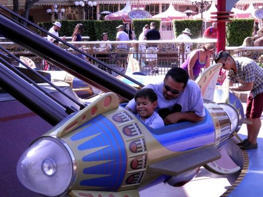 9.10.12 rocket ship ride gian dad