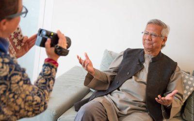 Muhammad Yunus: «Il ne faut pas chercher du travail. Il faut créer son propre job afin de travailler dans la joie!»