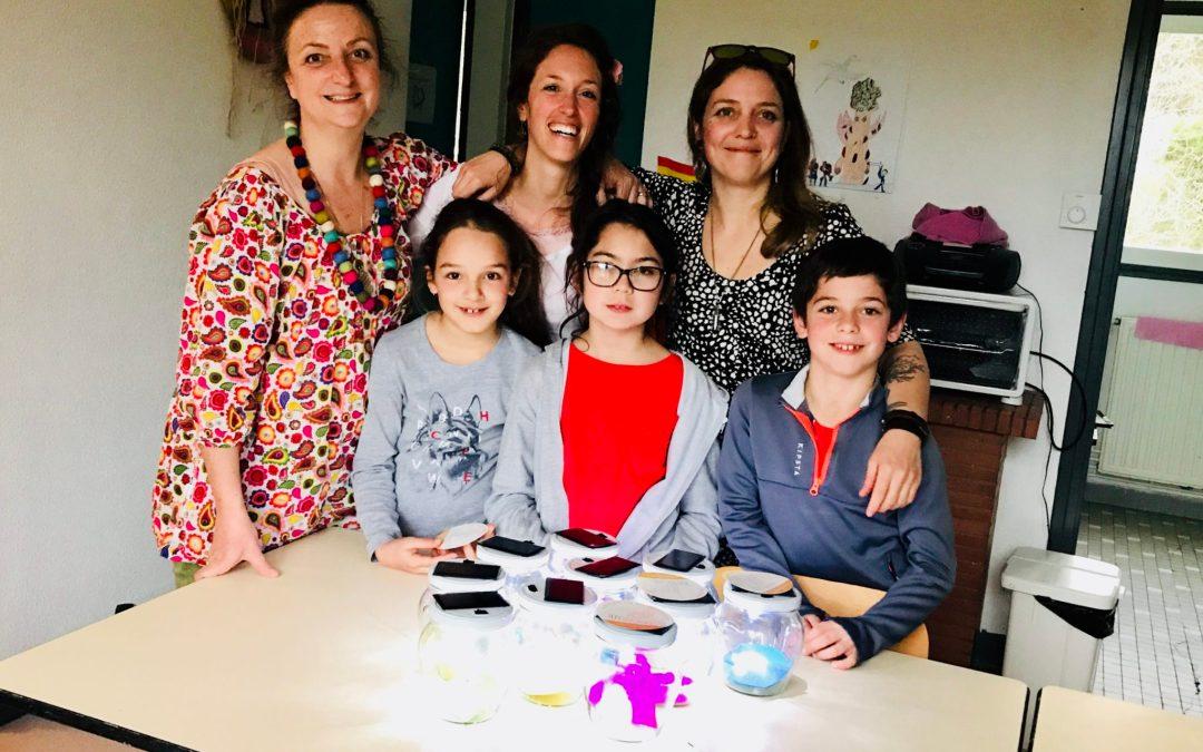 Atelier de lampes solaires à l'école de Salles-sur-l'Hers