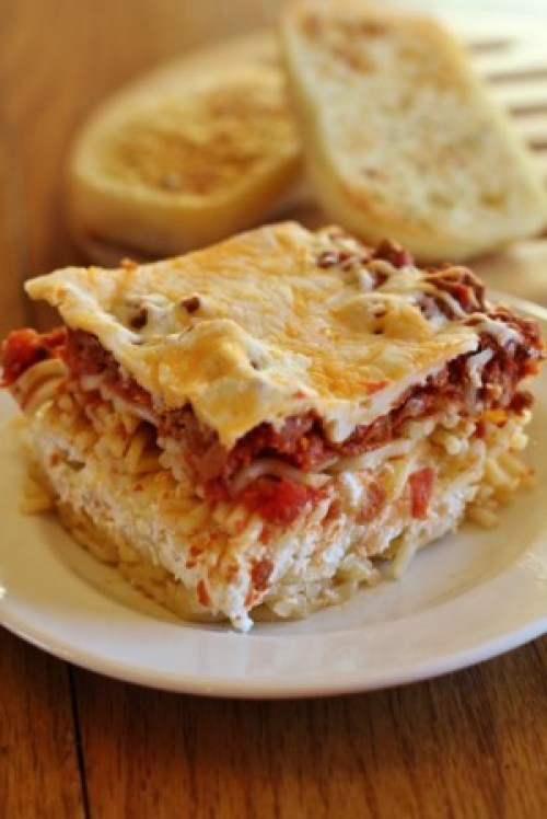 Most popular recipes from Joyful Momma's Kitchen: Million Dollar Spaggetti casserole on Plate