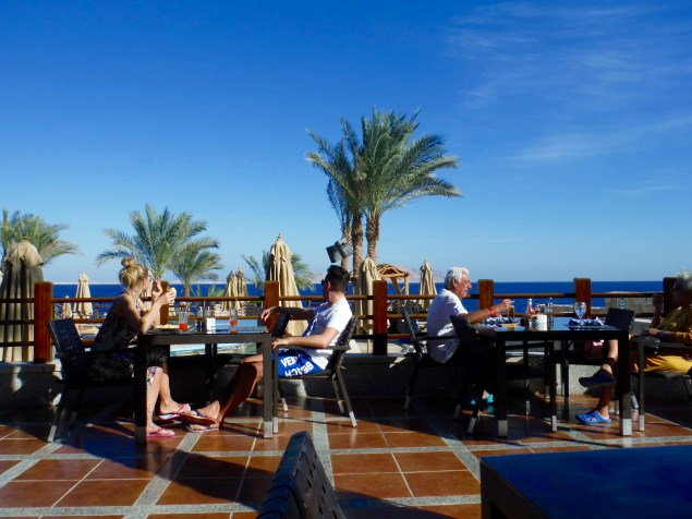 Now blogging from the restaurant.....the couple from the left are from Germany.....the couple on the right....Italy!!!! The view of Tiran Island never gets old...........