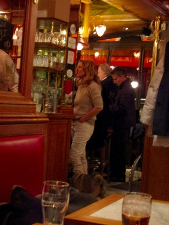 Dogs are allowed into restaurants in Paris!!! Can you find the pug??