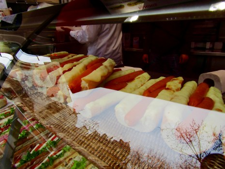 THE BEST HOT DOG, EVER!!!!!