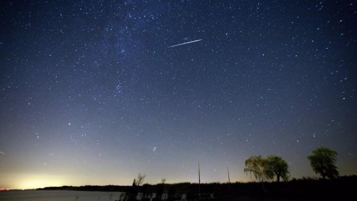 la-sci-perseid-meteor-shower-20160810-snap