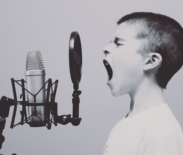 Catchy Italian Songs To Learn Italian Lyrics And Translations Joyoflanguages