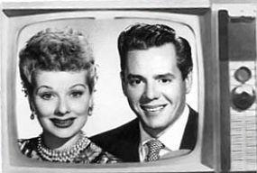 Lucy-Ricky-TVset-285