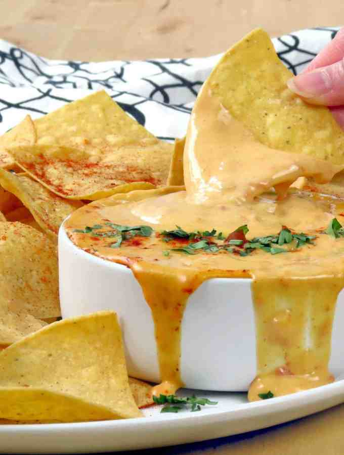 Quick 15-Minute Queso (Cheese Dip)