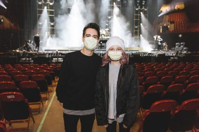 Zoa meets Panic! At The Disco