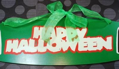 Make the Cut Happy Halloween Glow in the Dark Vinyl Sign Part 2