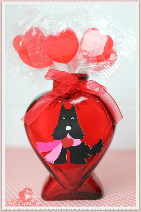 Vinyl Scotty Heart Vase at www.joyslife.com