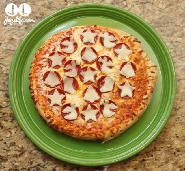 Holiday Decorated Digiorno Pizza #PlanAhead, #shop, #cbias