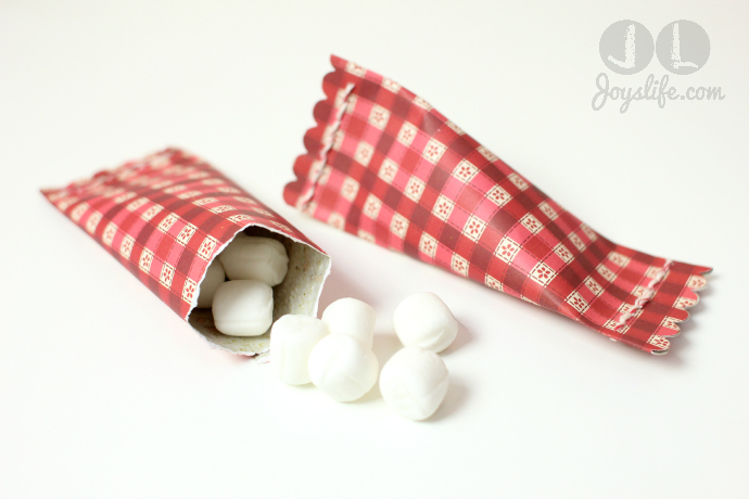 How to Make Simple Sour Cream Candy Containers #SEI #ValentinesDay #Candy