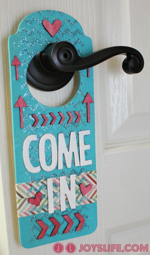 Craft Room Door Hanger with Mod Podge Rocks Stencils #ModPodgeRocksStencils #DoorHanger #MixedMedia