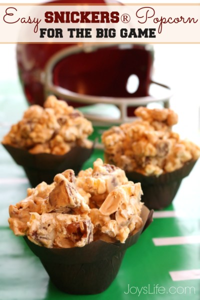 Easy SNICKERS® Popcorn Recipe for the Big Game