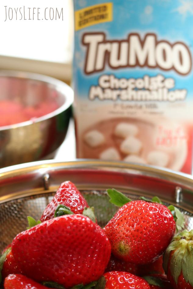 TruMoo Chocolate Marshmallow Whoopie Pies for Valentine's Day #TruMoo #ad