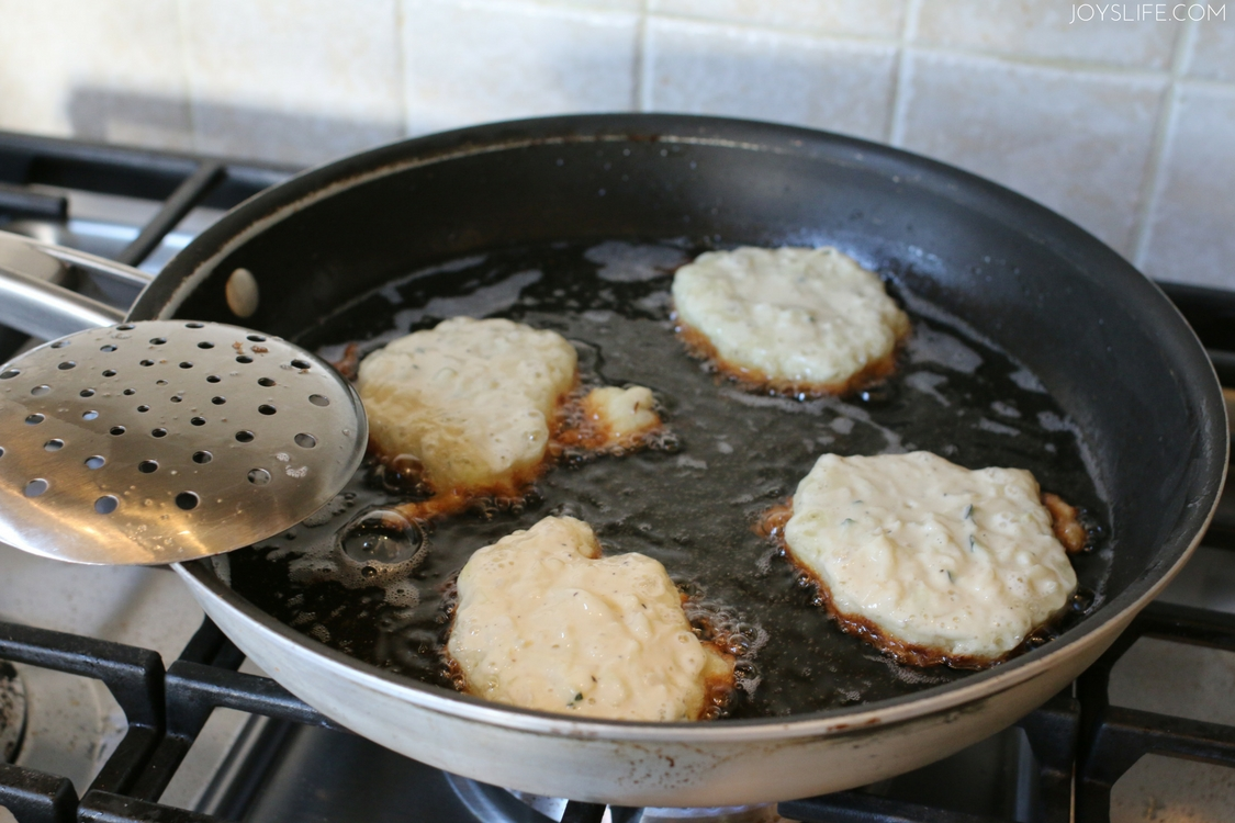 frying pan zucchini fritters