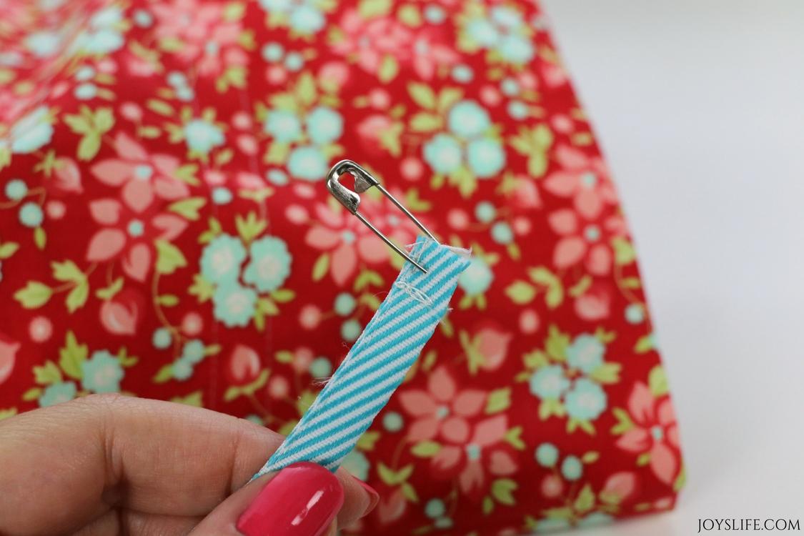 pin ribbon drawstring