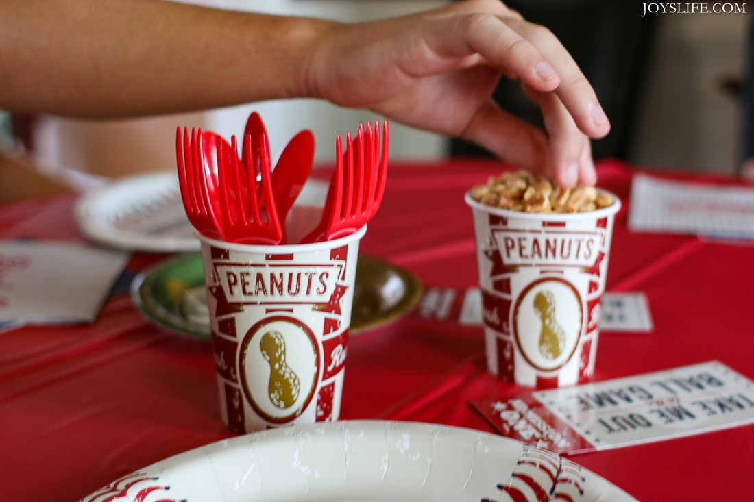 baseball peanuts tablescape