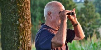 노인, 망원경