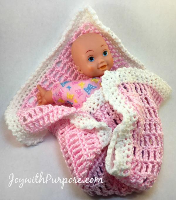 Cuddly easy crocheted baby doll blanket tutorial