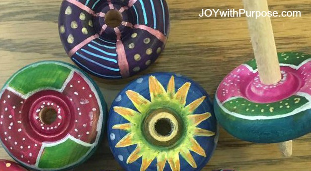 decorate wood spinning top