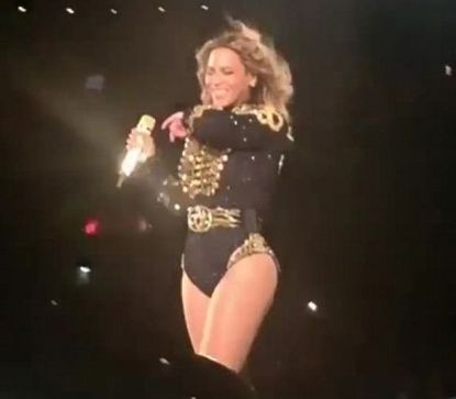 Beyonce SNEEZES on stage
