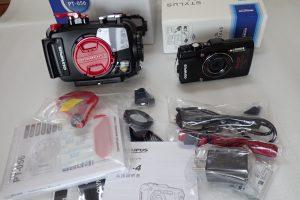 中古水中カメラ用品 OLYMPUS TG-4 + PT-056セット