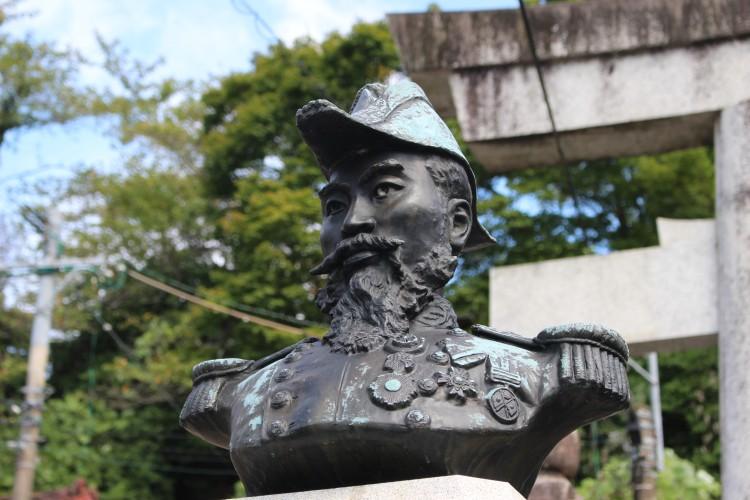 広瀬武夫像