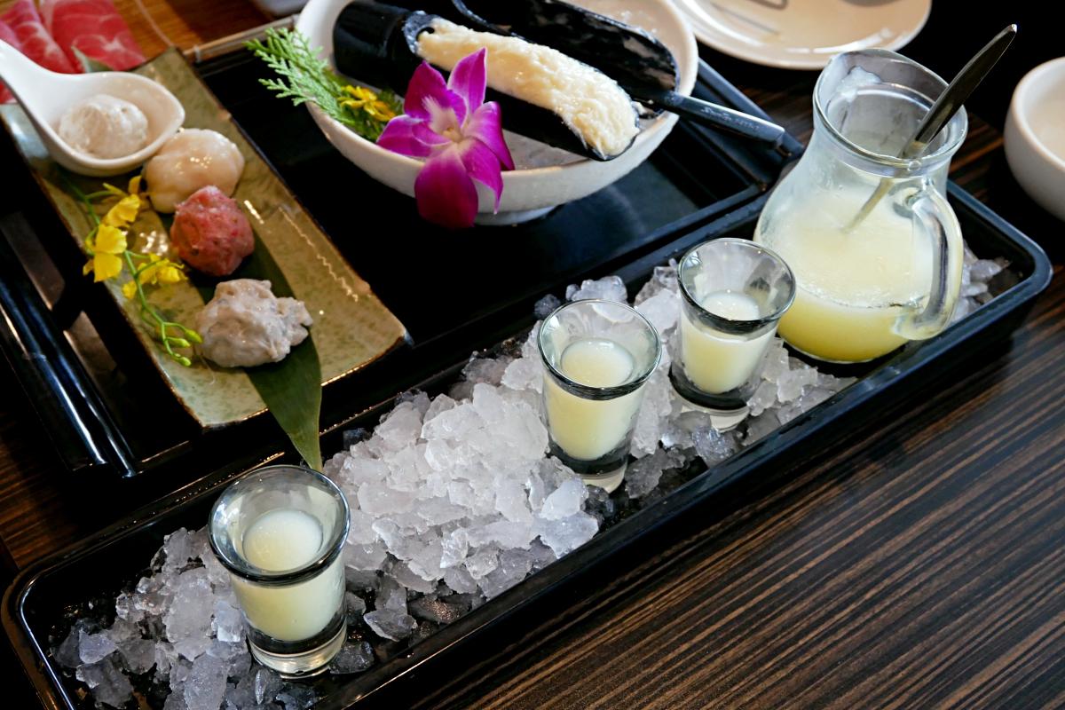 【台湾・台北】おすすめの火鍋レストラン:無老鍋・桃のスムージー