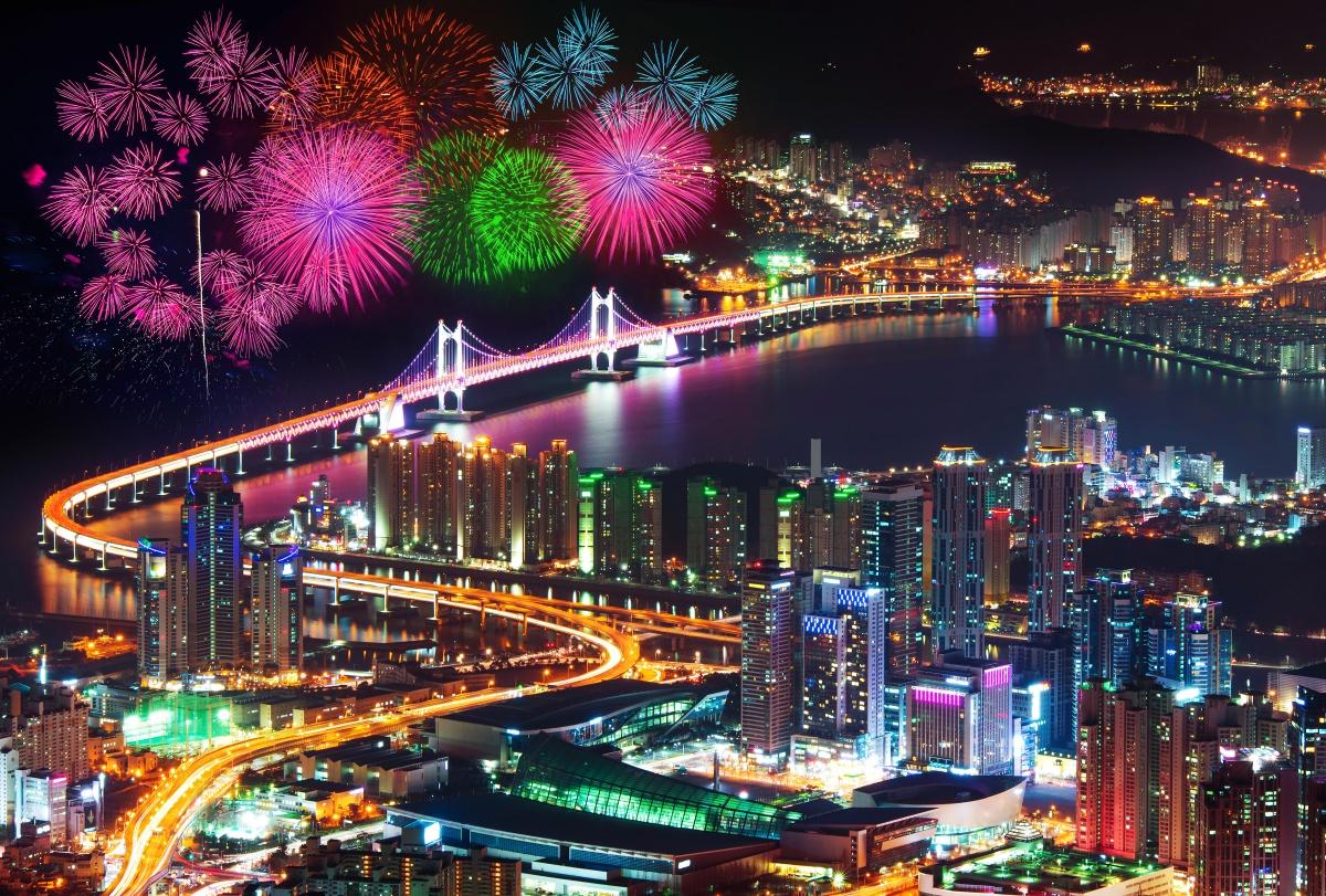 Korea Festival Busan Fireworks Festival Ashutterstock 343321088