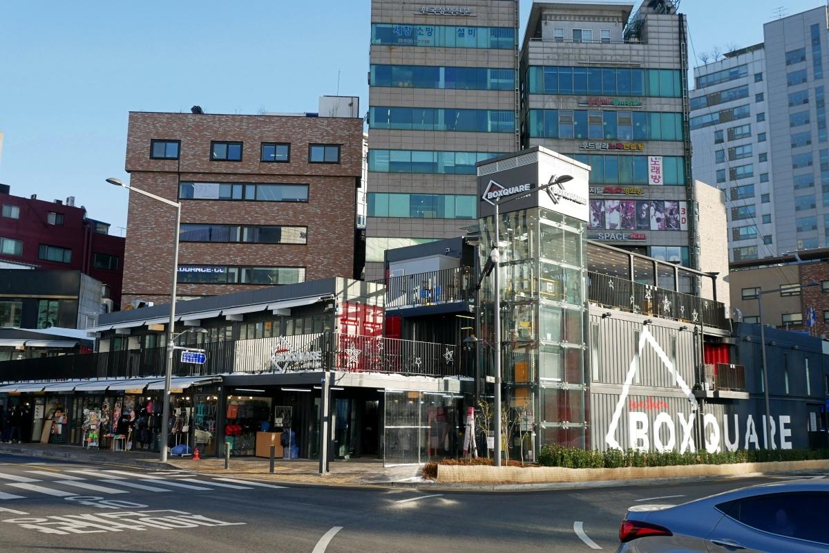 韓国・ソウルのショッピング街:梨大(イデ)