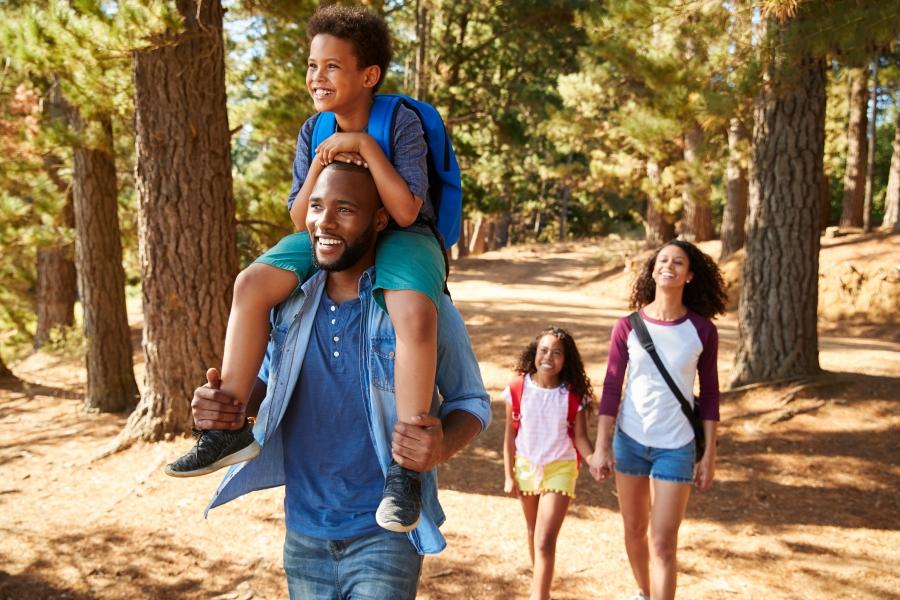キャンプ・家族で散歩