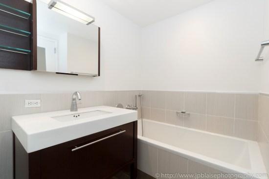 Apartment Photographer New York photoshoot one bedroom condo unit Midtown East ny nyc bathroom