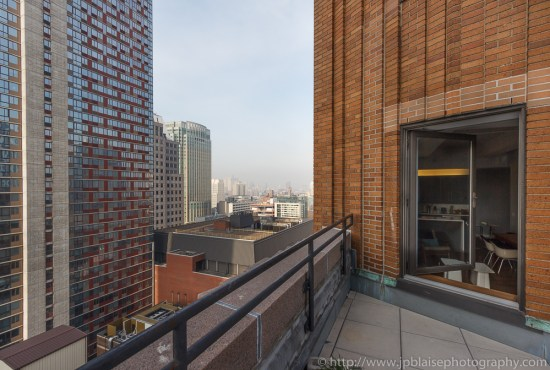 Real estate photographer : picture of terrace of downtown unit in New York city (terrace)