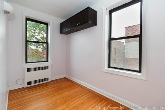 Brooklyn new york apartment photographer real estate interior photography ny nyc airbnb living room office