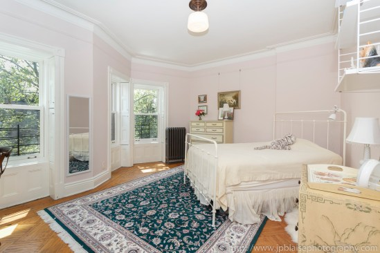 NY apartment photographer townhouse real estate park slope brooklyn new york bedroom