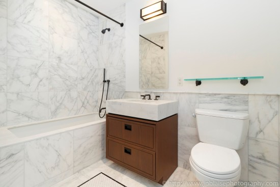 New York Apartment Photographer one bedroom condo manhattan flatiron district NY NYC bathroom