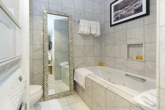 New York City apartment photographer one bedroom Midtown NYC bathtub