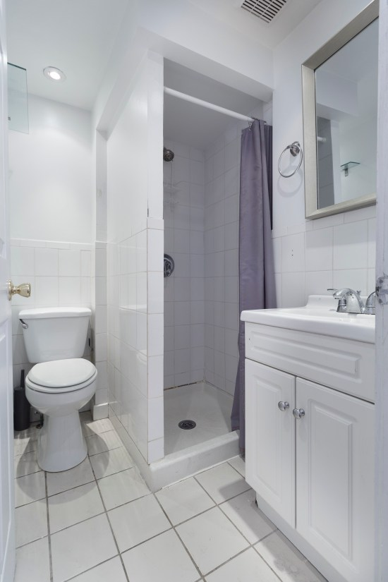 New york ny nyc apartment real estate interior photographer one bedroom midtown east manhattan bathroom