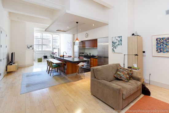 Williamsburg Real Estate photographer work : living room of a Brooklyn Loft