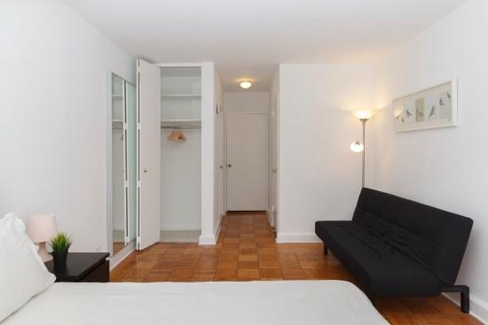 Real estate photographer apartment interior ny nyc new york city murray hill manhattan bedroom closet